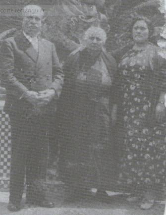SANCHEZ ROSA, ANA VILLALOBOS, SU MUJER, Y FEDERICO MONTSENY EN SEVILLA